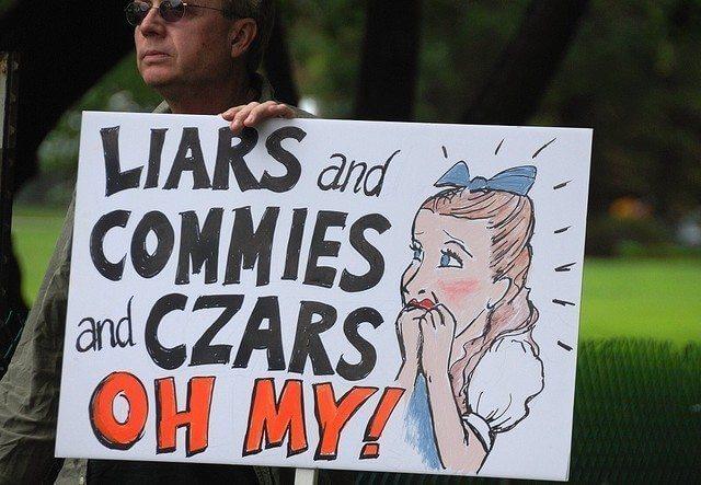 Czars Commies Liars toi-même