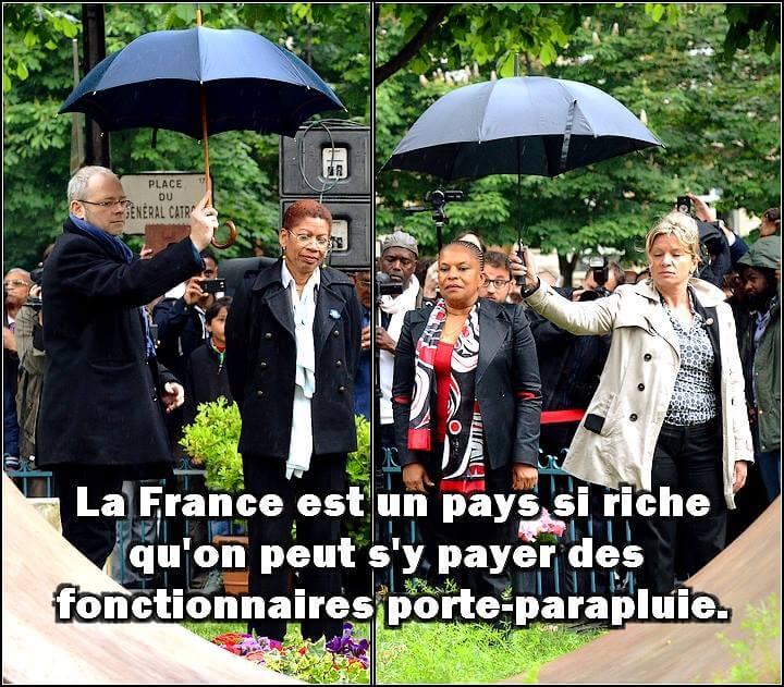 Fonctionnaires porte-parapluie